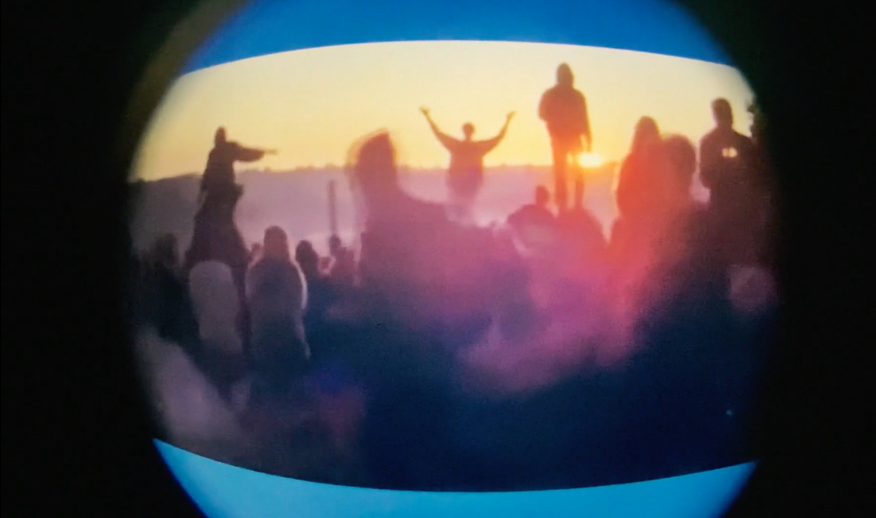 '90s Rave Footage video by Charlie Robins and Jasper Tygner!